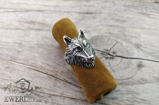 Men's ring of  silver with a wolf to buy 141005WV