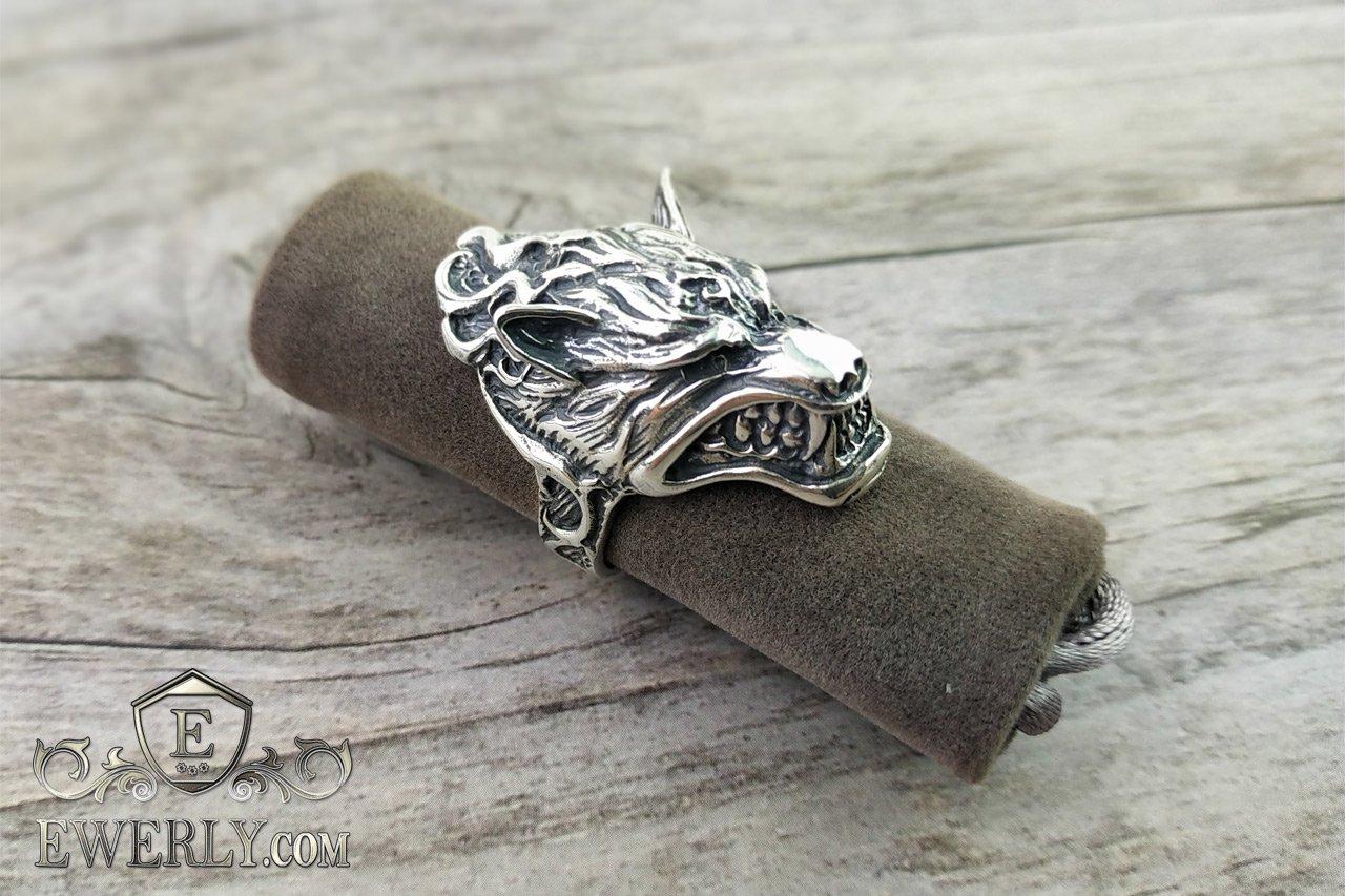 перстень с головой волка фото открытку